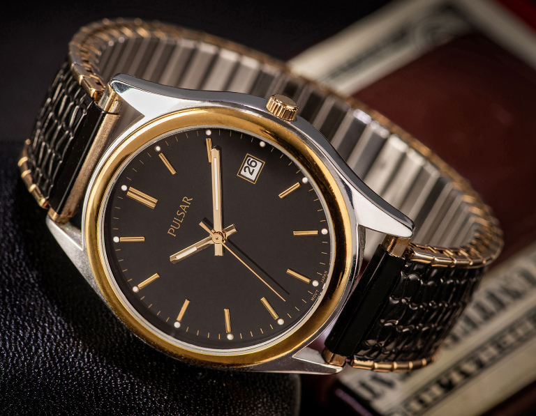 Great looking black and gold watch and band